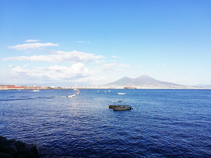 Napoli via Caracciolo